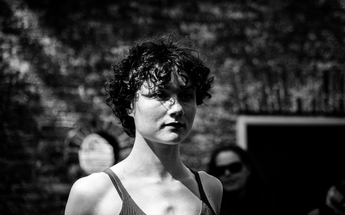 Student of the Term verwijderen: Fontys Academy for Circus and Performance Art Fontys Academy for Circus and Performance Art during a performance at the Oerol festival.